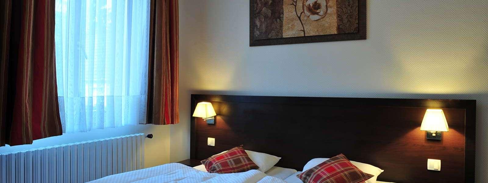 Hôtel du Parc, Niederbronn-les-Bains, Alsace, chambre entre traditions et modernité