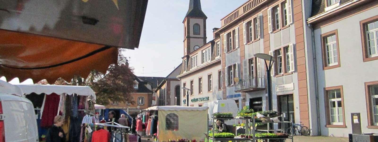 Marché hebdomadaire, Niederbronn-les-Bains, Alsace