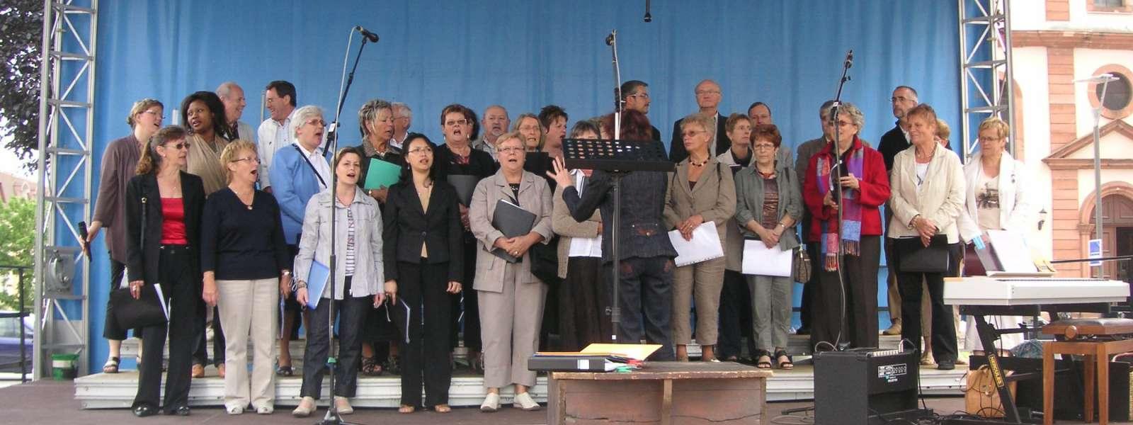 Animation de la chorale oecuménique lors de la Fête de la musique à Niederbronn-les-Bains