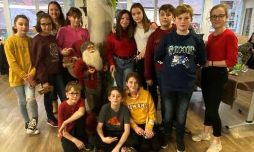 Fête de Noël à l'EHPAD avec les CMJ  0